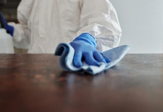 certificado-de-profesionalidad-online-limpieza-de-superficies-y-mobiliario-en-edificios-y-locales-sscm0108